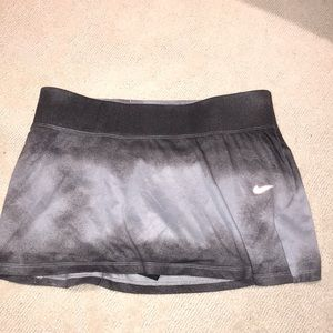 Nike ombré tennis skirt med. NWOT
